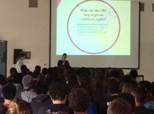 Valencia High School learns about the Convention on the Rights of the Child. Photo by Younus Albojermi.