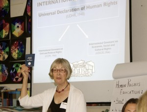 HRE expert, Nancy Flowers, explains the history of the Universal Declaration of Human Rights at the HRE Summer Institute. Photo by Thomas Adjani.