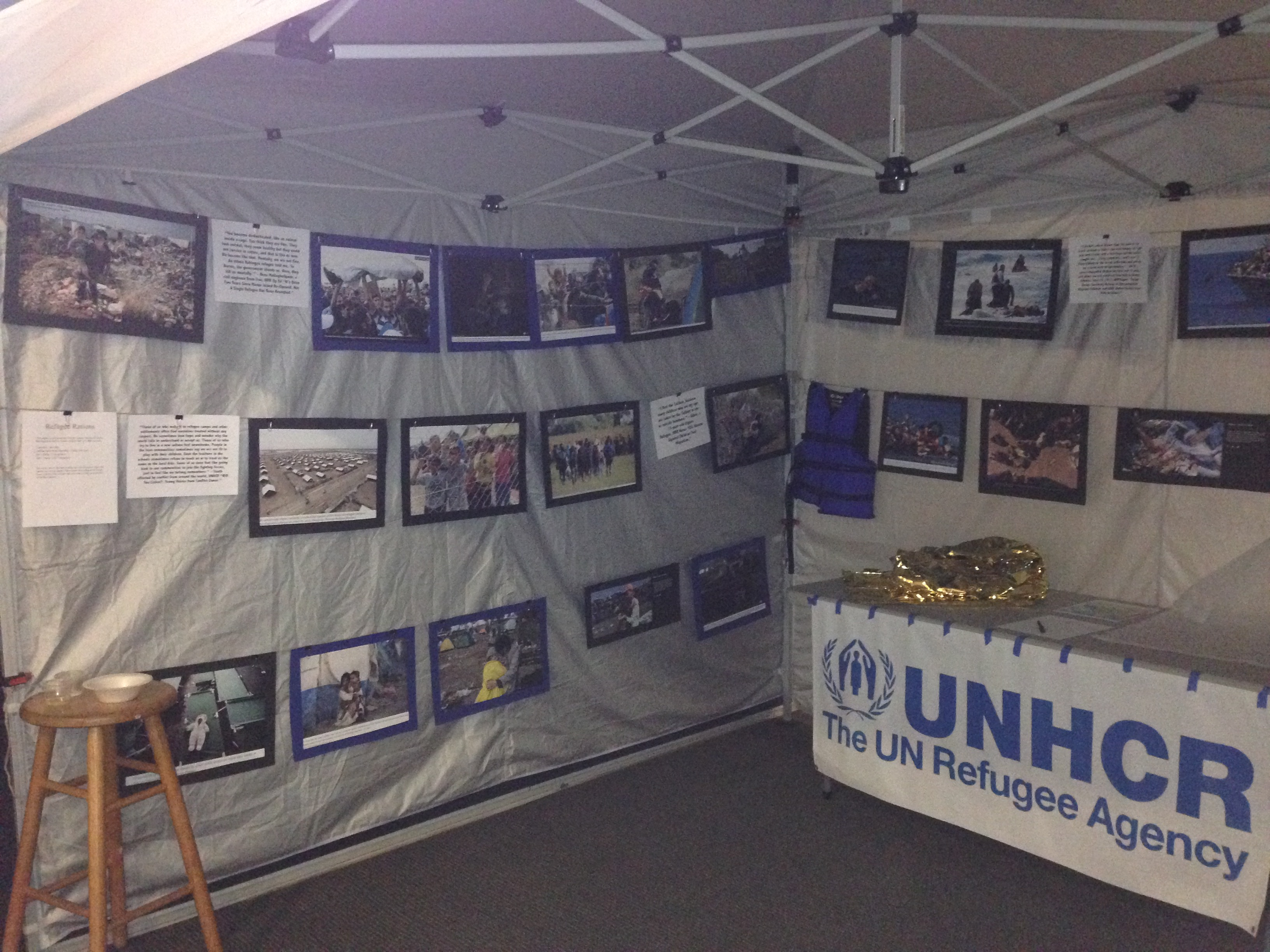 Wildwood School displayed the refugee tent exhibit for three days.<br>Photo by Kristin Ghazarians.