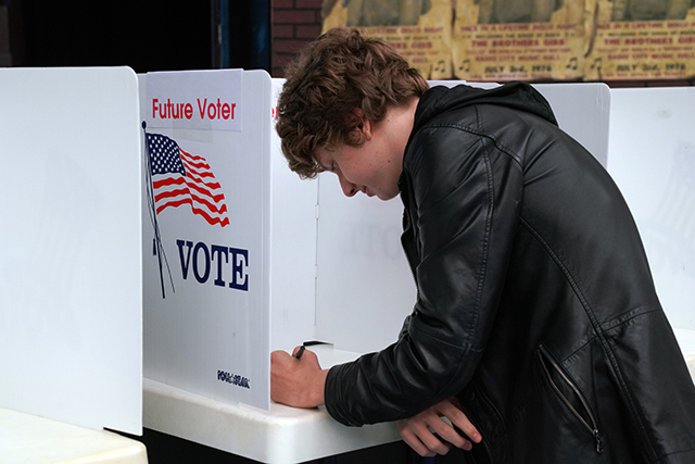 Palisades Charter HS Mock Election. Photo by Patricia Williams